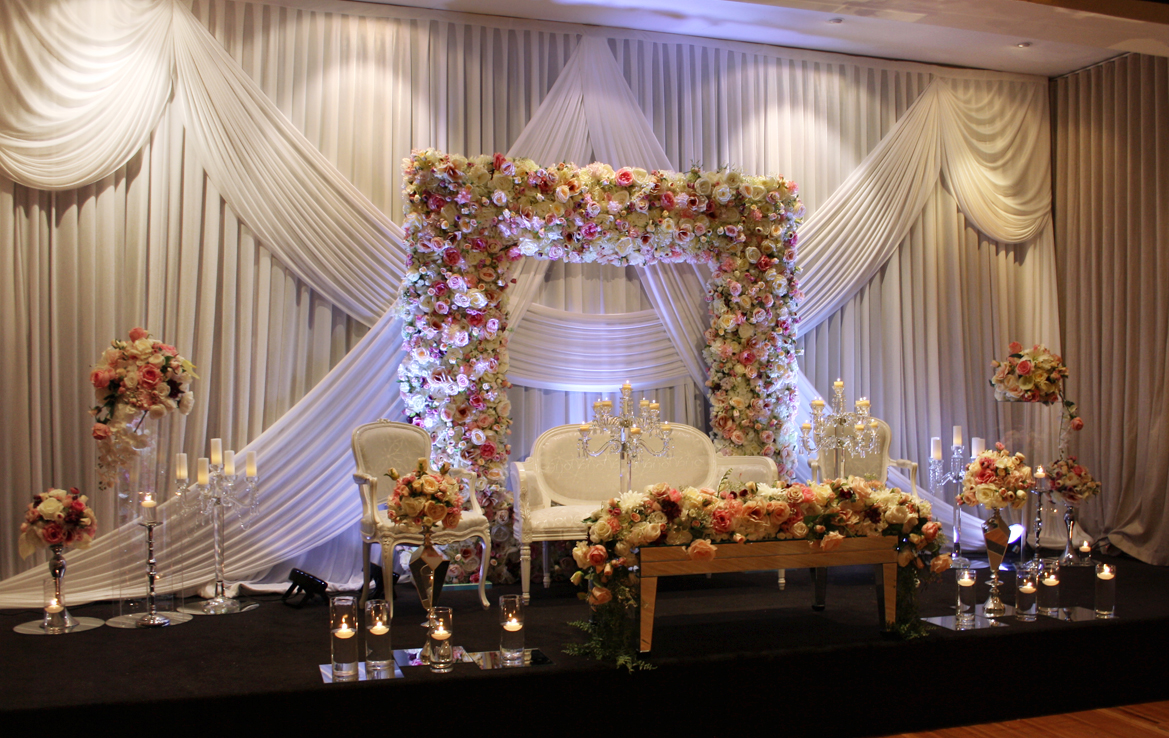Photo 2. &nbsp;<b>Wedding Stage with Floral Frame</b>