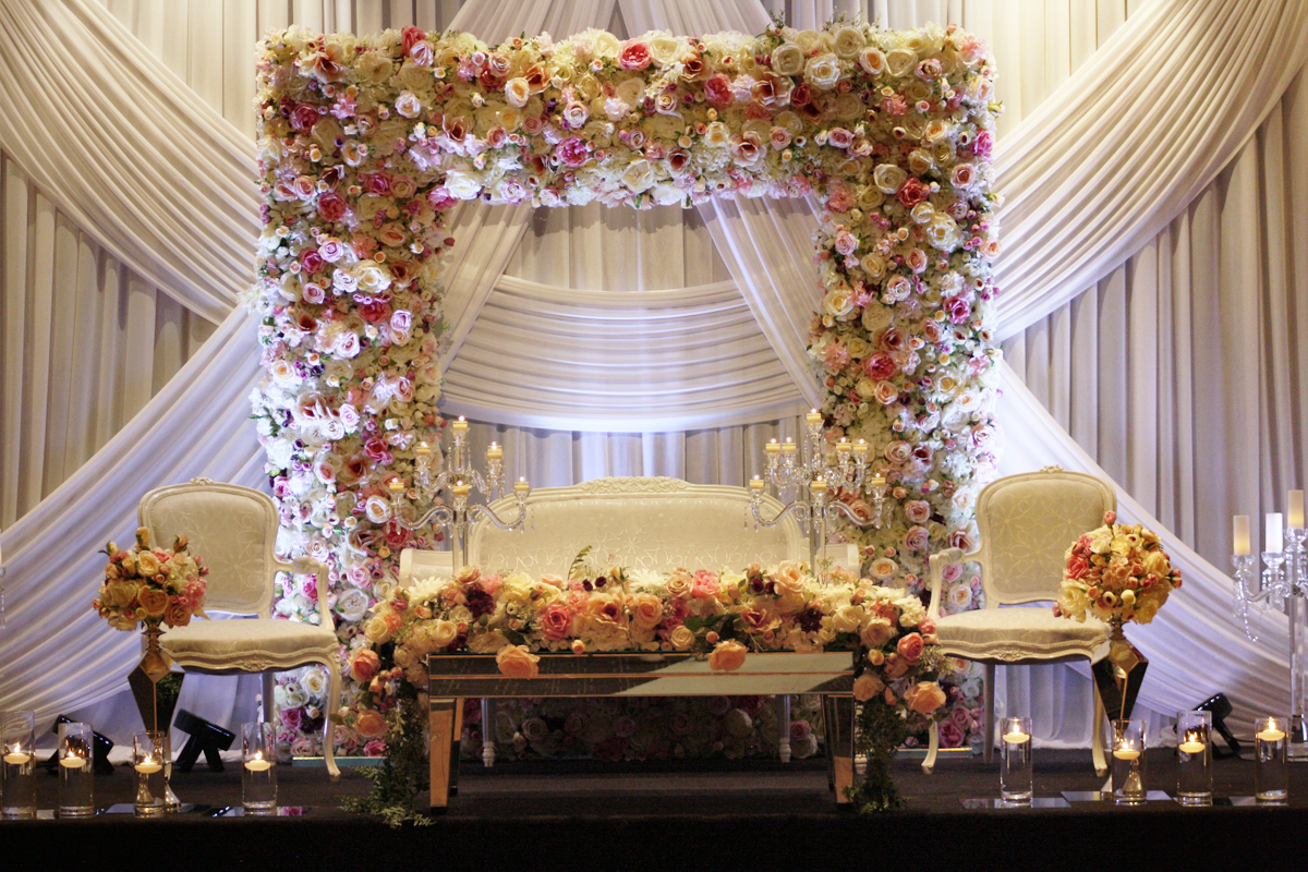 Photo 1. &nbsp;<b>Wedding Stage with Floral Frame</b>